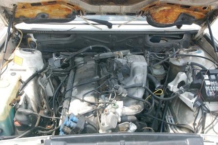 535i_partscar_engine.JPG